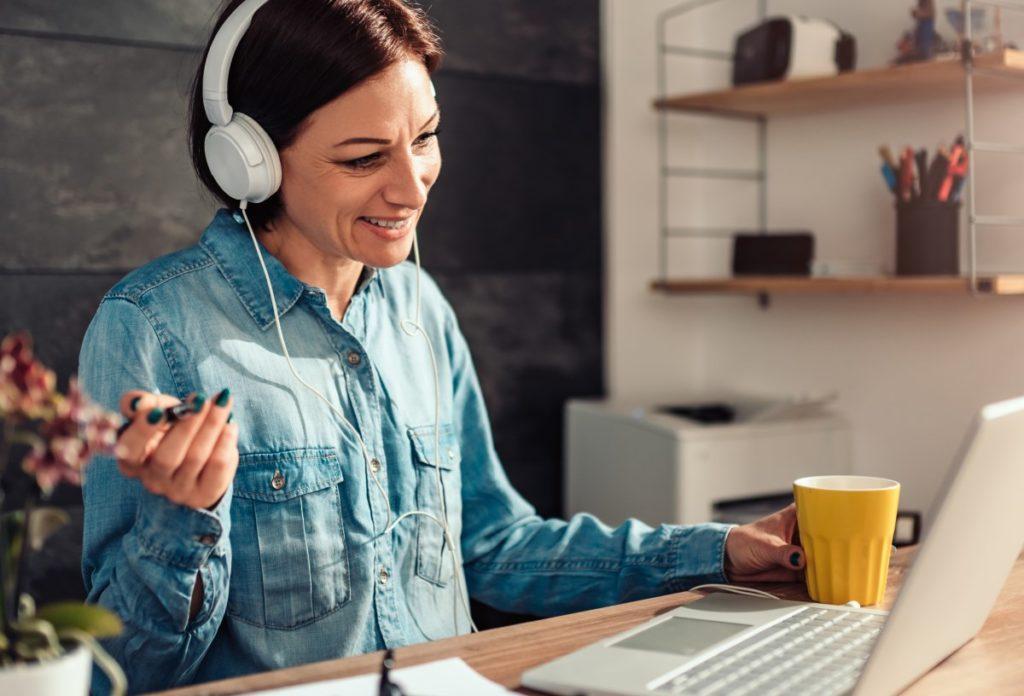Mitarbeiterin bei Online-Beratung