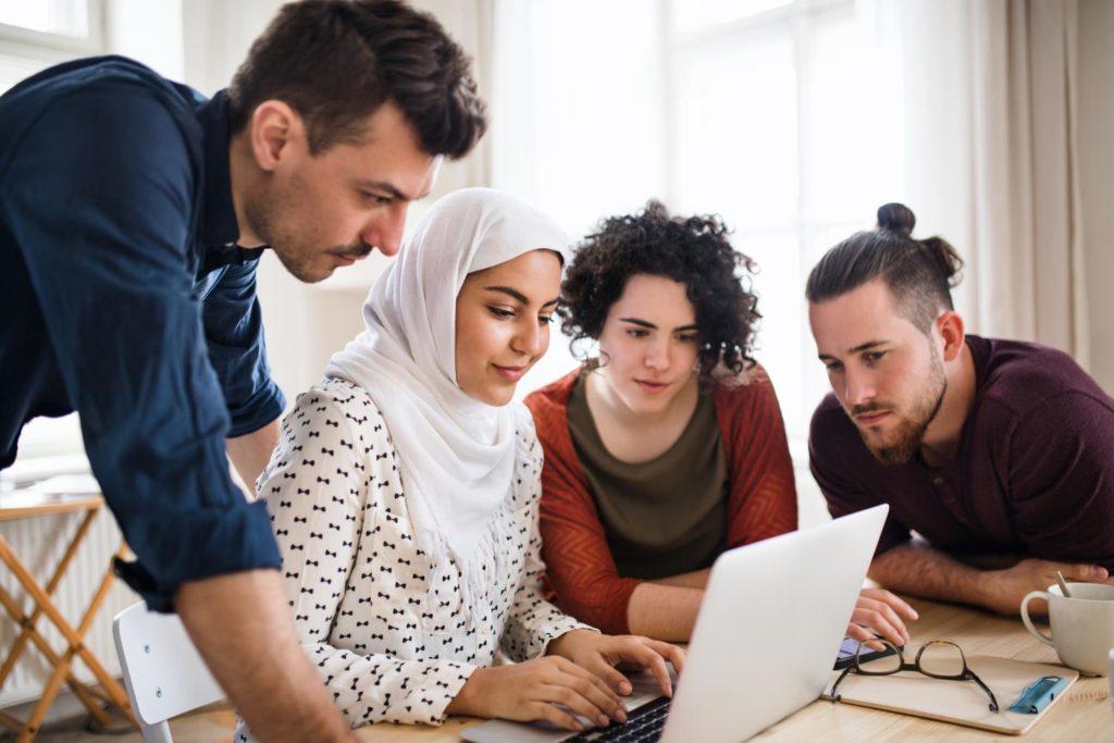 Mitarbeiter bei Online-Workshop